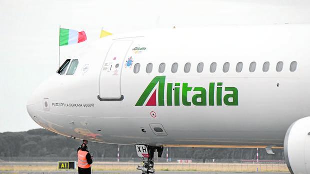 Hemeroteca: Alitalia, al borde de quebrar tras el «no» de la plantilla al plan de rescate | Autor del artículo: Finanzas.com