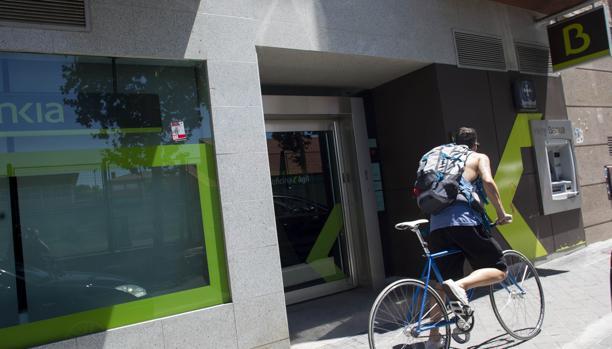 Bankia espera alcanzar el mill n de clientes atendidos por for Oficinas de bankia en madrid
