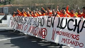 Los estibadores contemplan convocar tres semanas de huelga en mayo y junio