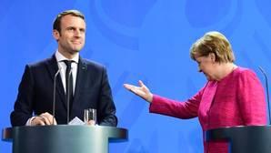 Emmanuel Macron y Angela Merkel, tras un encuentro en Berlín