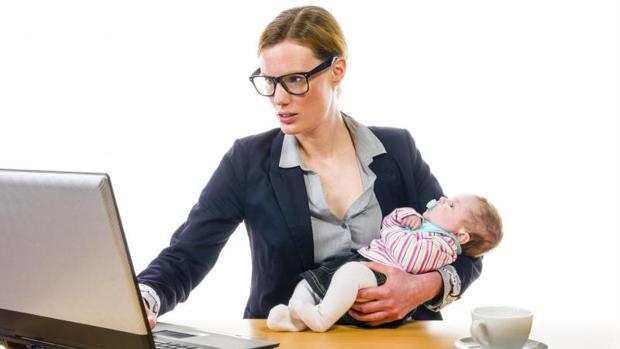 La madre debe estar dada de alta en el régimen correspondiente de la Seguridad Social o Mutualidad