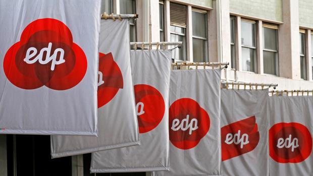 Cartéles de EDP en la Bolsa de Lisboa