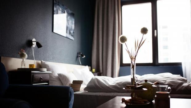 Habitación de una vivienda anunciada en Airbnb