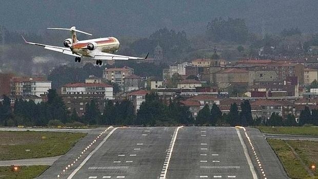 Los españoles ahorran hasta 85 millones de euros por comprar los vuelos con antelación