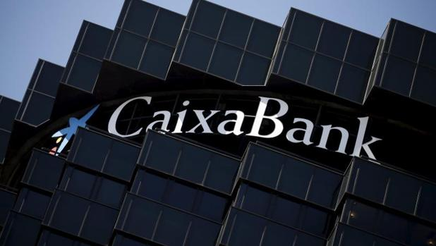 La cnmv multa a caixabank con euros por mala for Oficinas caixabank madrid
