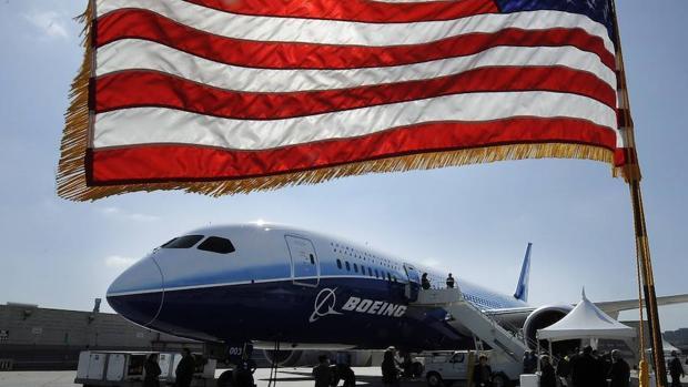 Boeing 787 Dreamliner estacionado en California