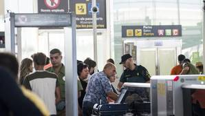 La Guardia Civil ha desplegado su dispositivo en El Prat ya este domingo