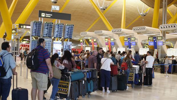 1afd839de79 Adolfo Suárez Madrid-Barajas repite como el aeropuerto con más ...