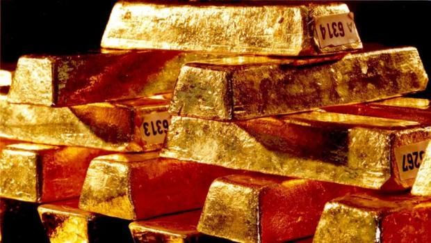 Hasta en tres ocasiones ha alcanzado el oro este año la barrera de los 1.300 dólares por onza