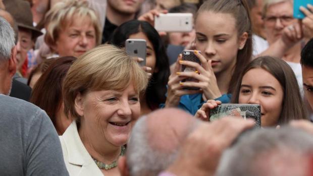 El Canciller alemán Angela Merkel en un acto electoral en Quedlinburg.