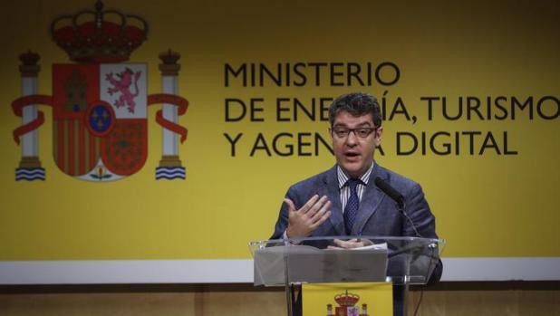 El ministro de Energía, Turismo y Agenda Digital, Álvaro Nadal,