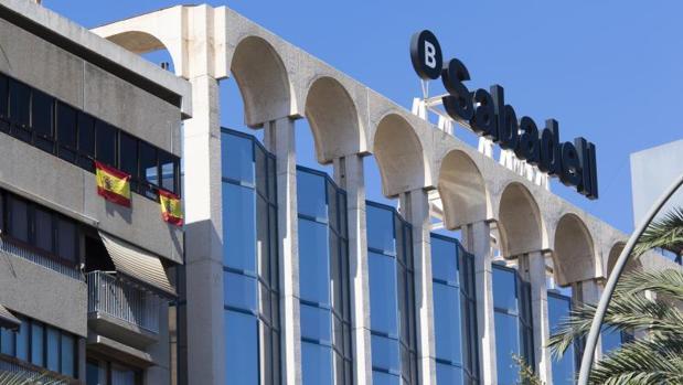 El Sabadell ha trasladado su sede a Alicante para garantizar que seguirán bajo el paraguas del BCE
