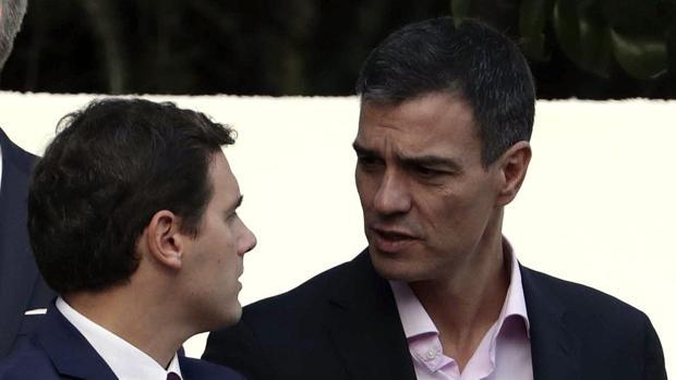 Sánchez y Rivera conversan el Día de la Fiesta Nacional