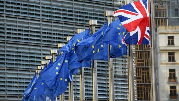 Sin acuerdo en el Brexit, los precios aumentarán en productos lácteos (un 8,1%), carne (5,8%) o automóviles (5,5%)