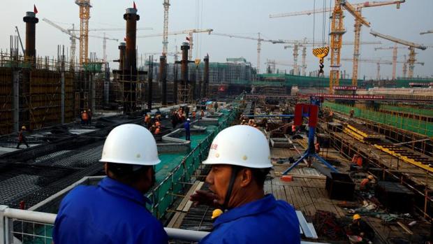 La economía china se desaceleró levemente de julio a septiembre
