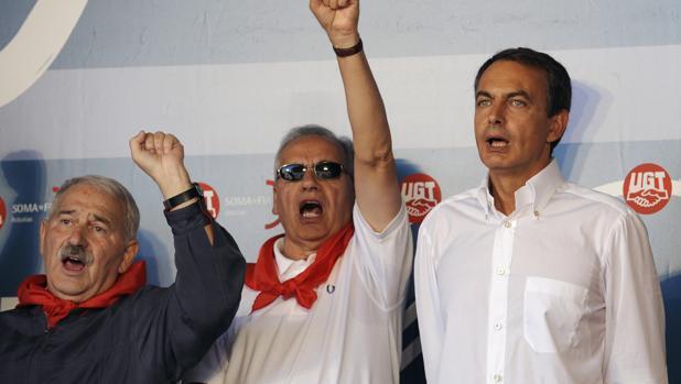 Fernández Villa, en Rodiezmo, junto a Alfonso Guerra y José Luis Rodríguez-Zapatero