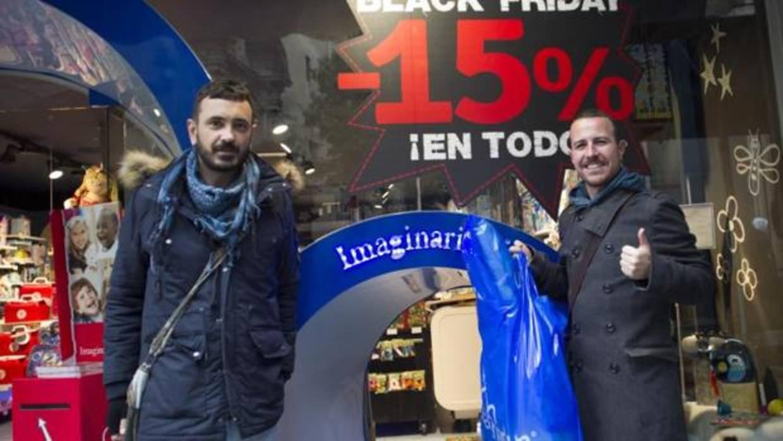 Las marcas proyectan grandes descuentos para un «Black Friday» con previsión de récord de ventas