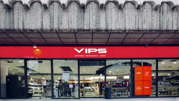 Fachada de una antigua tienda del Grupo VIPS