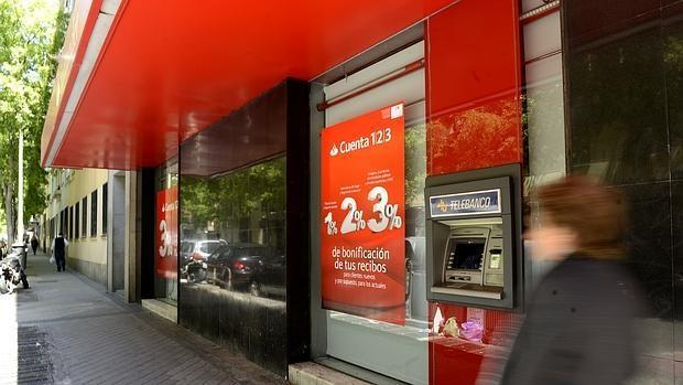 Hemeroteca: La banca ha destruido con la crisis 54.000 empleos más que los que creó durante el «boom» del ladrillo   Autor del artículo: Finanzas.com