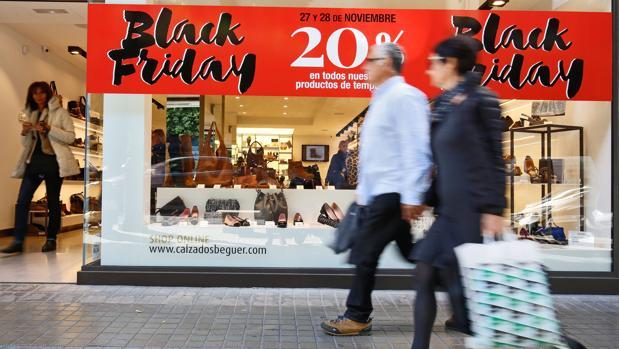 Muchos españoles aprovecharon el Black Friday para hacer las compras de Navidad
