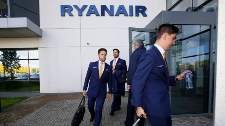 Ryanair reconocerá a los sindicatos de pilotos para evitar las huelgas convocadas