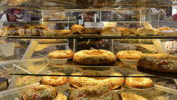 El Corte Inglés va a elaborar hasta 600.000 roscones de Reyes de 25 variedades para estas fiestas