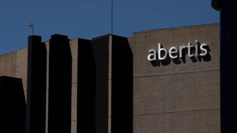 La CNMV rechaza los requerimientos del Gobierno y mantiene la opa de Atlantia sobre Abertis