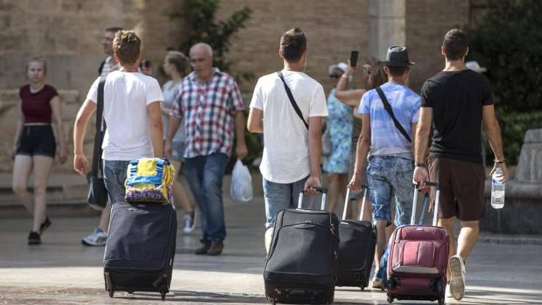 España establece su récord de turistas en los 82 millones en 2017
