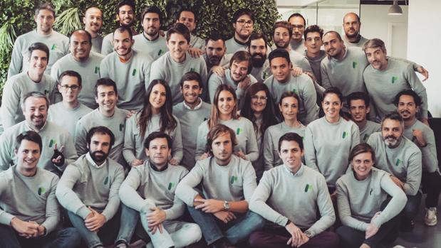 El equipo de Playtomic, en la imagen, cuenta con emprendedores tecnológicos y profesionales del mundo del deporte. A los mandos están Pedro Clavería (CEO), Rubén Martín (CTO), Pablo Carro (CCO), Christian Hoffman, (COO) e Iñigo Colomina (CFO)