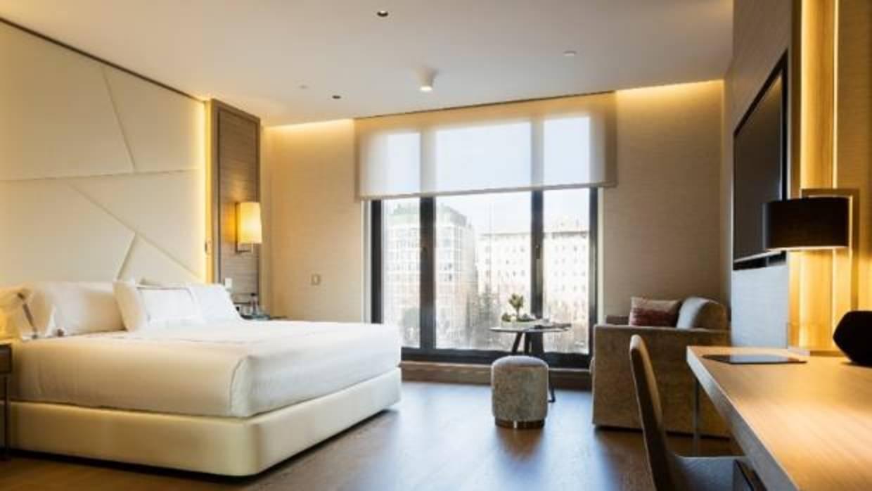 El hotel VP Plaza España abre un proceso de selección para la contratación de un centenar de personas