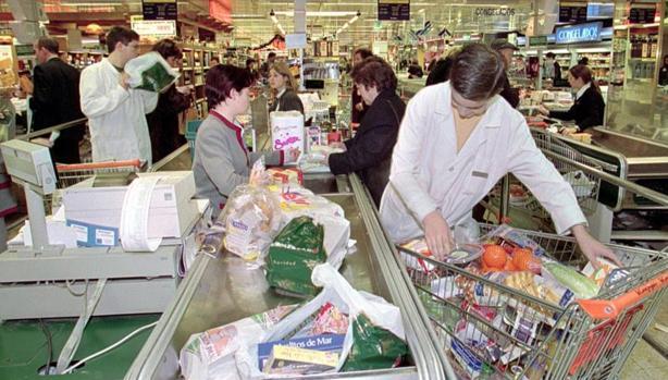 El coste de la bolsas para pesar la fruta, carne o pescado oscila entre uno y tres céntimos