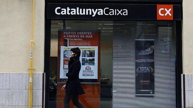 La cnmv mult a bancos y cajas con m s de 45 millones for Oficinas caixa barcelona