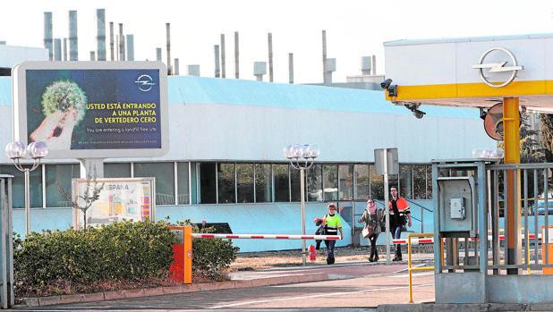 Zona de acceso a la planta zaragozana de Opel