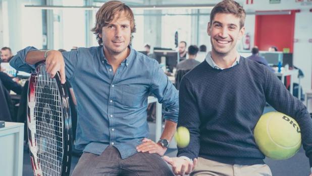 Pablo Carro, COO, y Pedro Clavería, CEO de Playtomic y cofundador de Cuponation en España