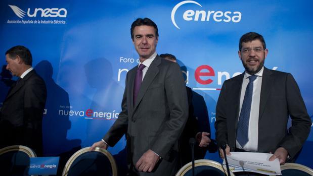El entonces ministro Soria y su secretario de Estado de Energía, Alberto Nadal