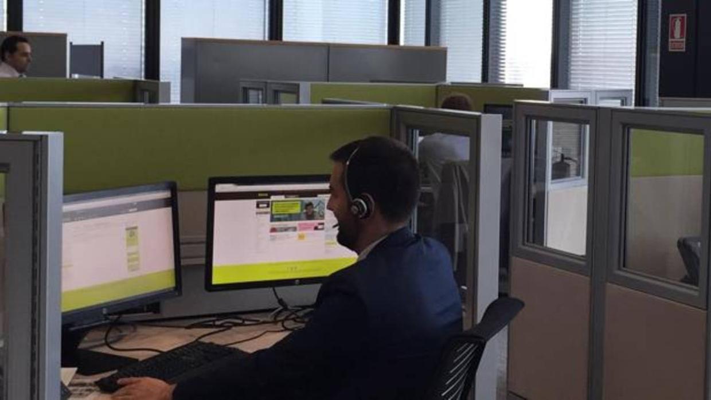 bankia reubicar a 250 empleados m s en sus oficinas a