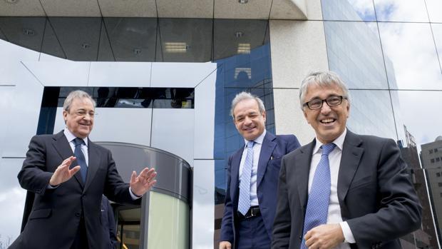 Florentino Pérez, Giovanni Castellucci y Marcelino Fernández Verdes, anuncian la Opa de Atlantia, ACS y Hochtief