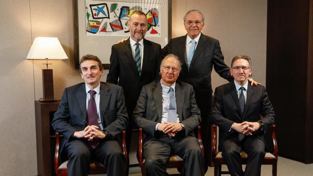 Los integrantes de la nueva comisión de estrategia de Criteria Caixa