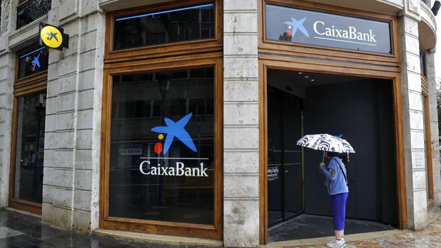 Sucursal de Caixabank en la plaza del Ayuntamiento de Valencia