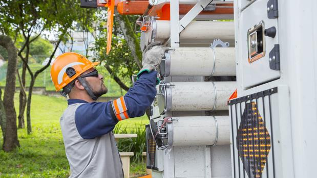 Labores de mantenimiento en instalaciones de Eletropaulo