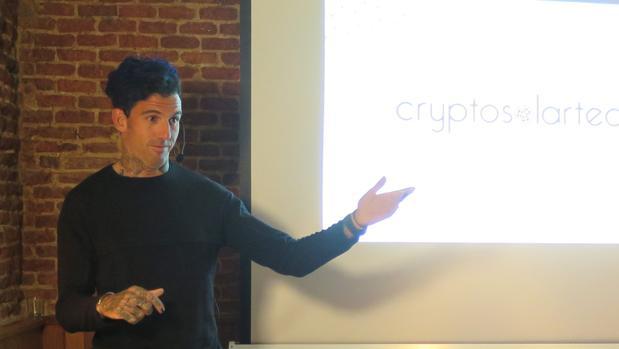 Josef Ajram, escritor y bróker, durante la presentación de la iniciativa