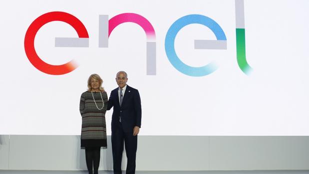 El CEO de Enel Francesco Starace (dcha)