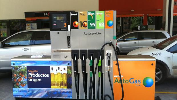 Se espera que los inventarios globales de petróleo sigan cayendo al ritmo de 600.000 barriles diarios