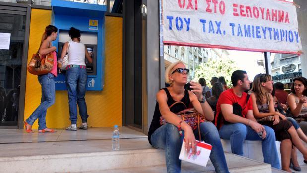 Imagen de archivo de una sucursal del TT Postbank, en Atenas