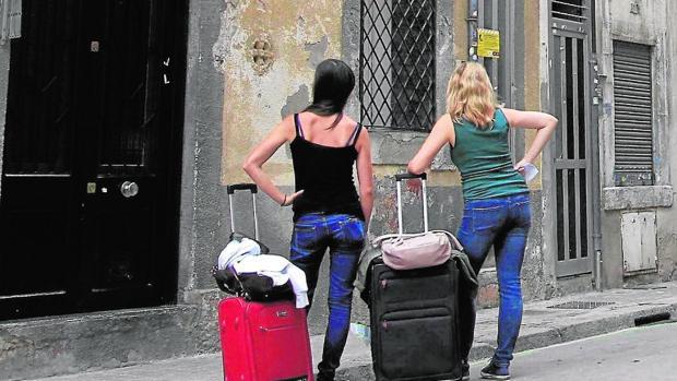 Dos turistas en Barcelona