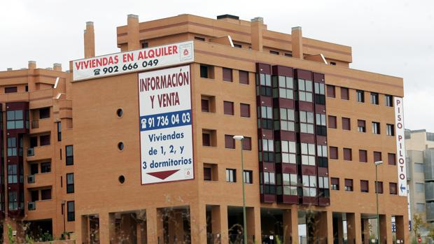 Un bloque de pisos en venta en Madrid