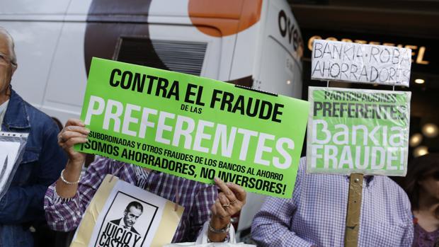 Imagen de archivo de una manifestación de afectados por las preferentes de Caja Madrid