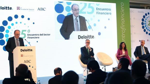 El gobernador del Banco de España interviene en el Encuentro Financiero