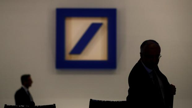 Deutsche Bank no convence a sus accionistas con los masivos despidos