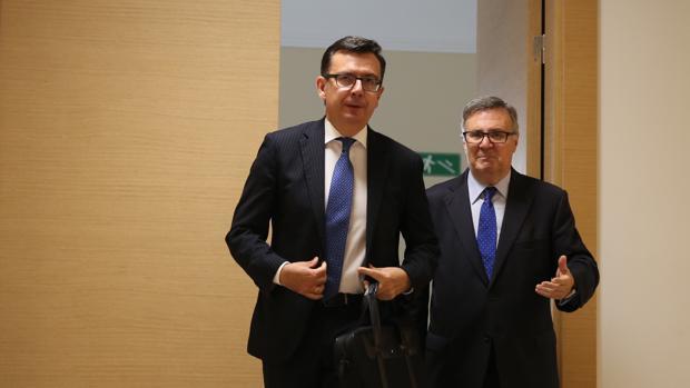 El ministro de Economía, Román Escolano, a su llegado al Congreso de los Diputados